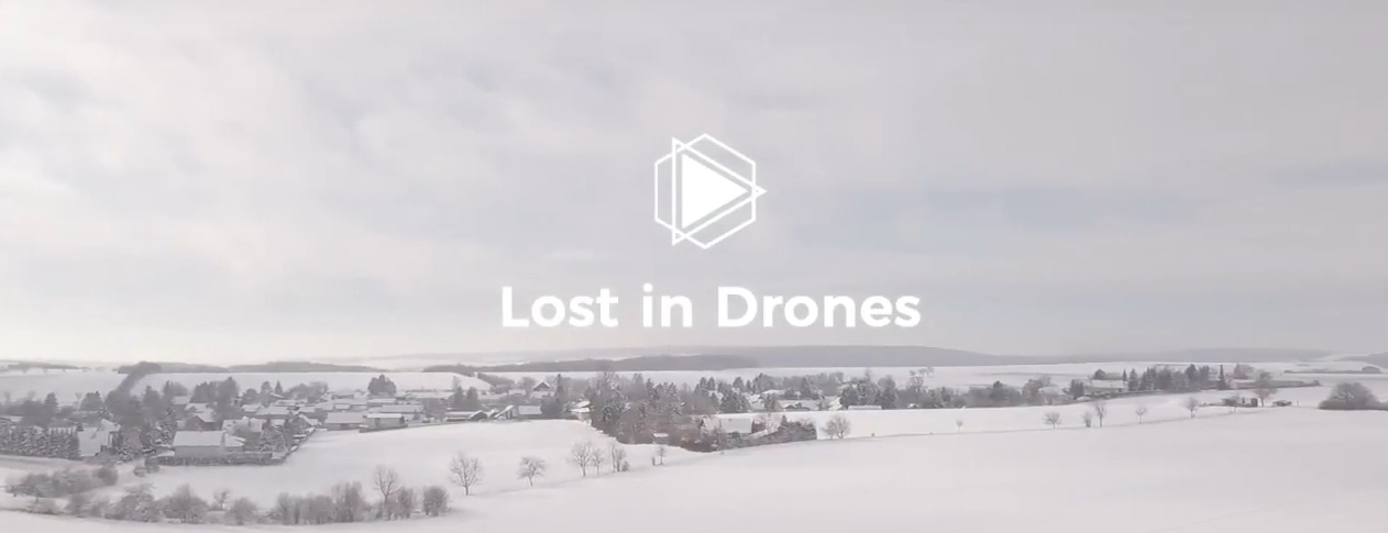 Drohnenflug in der Winterlandschaft